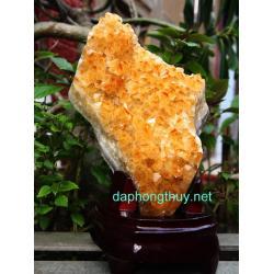 Phong thủy khối đá thạch anh vàng V35
