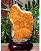 Phong thủy khối đá thạch anh vàng V30
