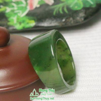 Nhẫn đá ngọc bích nephrite jade 6-22,5