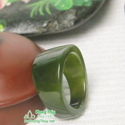 Nhẫn ngọc bích nephrite jade 13-18.2