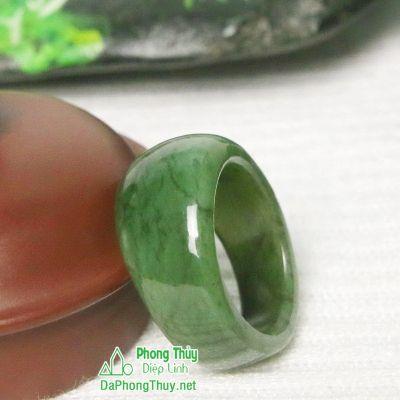 Nhẫn ngọc bích nephrite jade 9-18.5